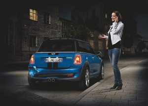 Woman with blue MINI